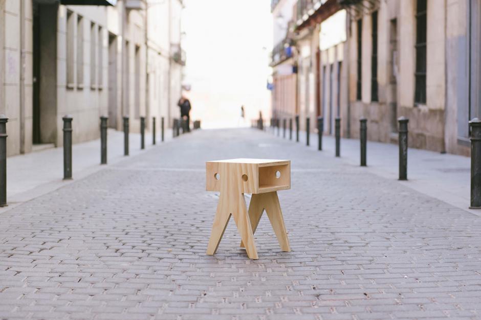 Wood stooll